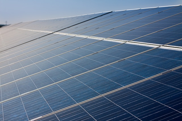 solar-cells-191687_640